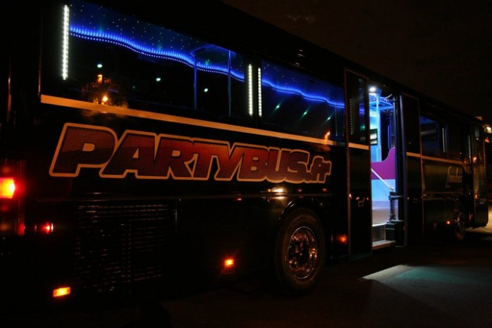 limobus partybus paris location bus limousine. Black Bedroom Furniture Sets. Home Design Ideas