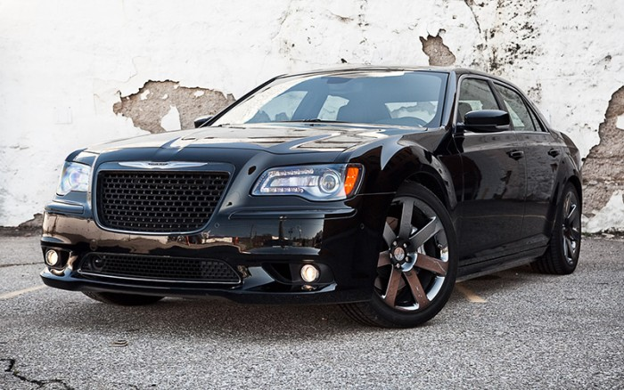 300-SRT8-Black-EXT-1