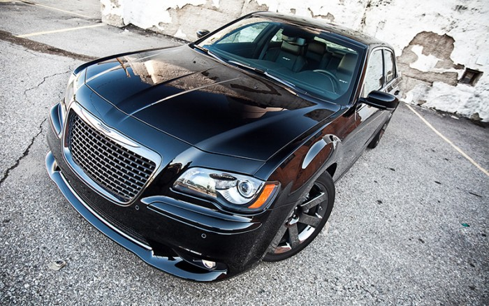 300-SRT8-Black-EXT-2